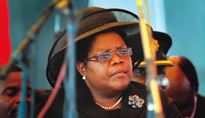 Mujuru says Mugabe incapacitated to lead Zim