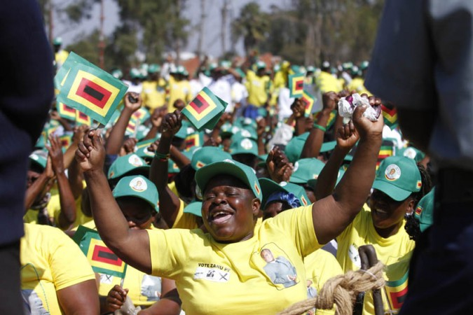 Mugabe's Party Is Said to Fear Zimbabwe Vote Loss After His Exit
