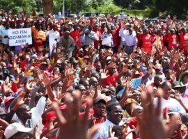 Zimbabwe: 2,000 people join anti-Mugabe protest in Harare