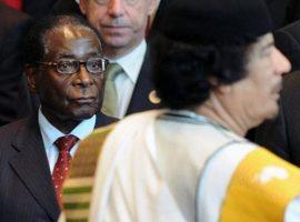 Zimbabwe's Mugabe skirts retirement talk at burial of friend