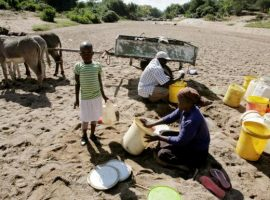 Children face starvation in worst Zimbabwe famine for decades