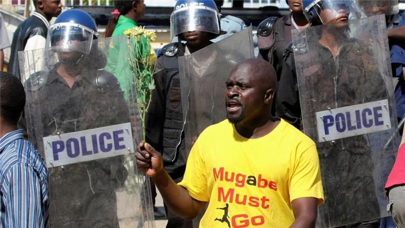 Zimbabwe Anti-Mugabe protests turn violent in Harare